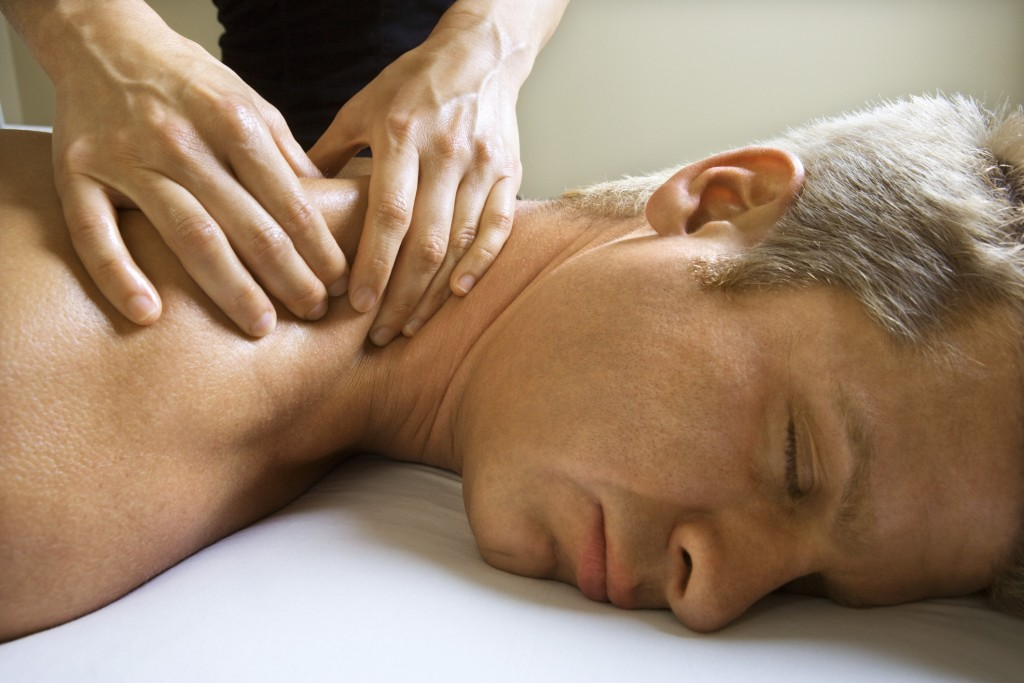 4 benefits deep tissue massage